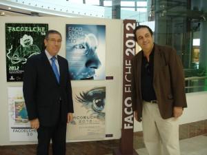 Aspecto de la exposición, junto al cartel ganador